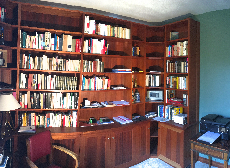 Grande biblitoheque sur mesure baty 39 r le bois dans les veines for Construction en bois sur mesure